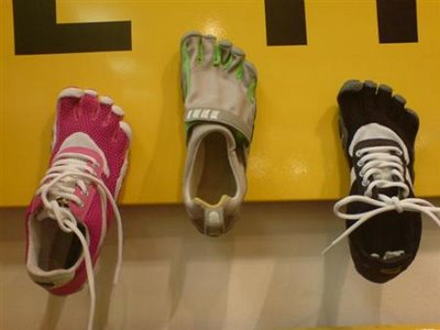 new-vibram-fivefingers-models-vff-speed-bikila-and-trek-21