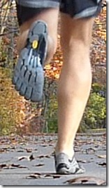 posterior-views-of-my-running-form-in-vibram-seeya-ls-merrell-flux-glove-altra-instinct-1-5-and-saucony-ride-5-21